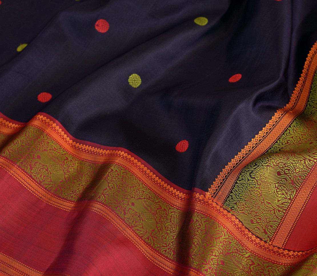 soft-threadwork-kanjivarams-silk-saree-weavemaya-bangalore-India-Maya-navy-blue-1202045-3