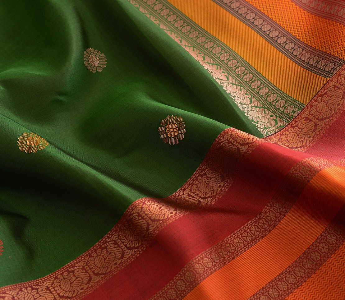 soft-threadwork-kanjivaram-silk-saree-weavemaya-bangalore-India-Maya-bottle-green-1202054-4