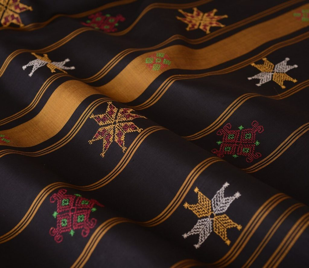Maya-Curated-Kanjivaram-Silk-Sarees-Online-Kasuti-Range-Handwoven-Handmade-Make-In-India-Handcrafted-In-India-4