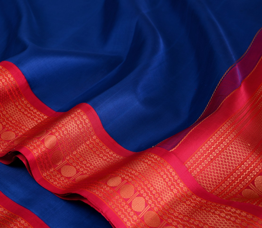 elegant-sampradaya-kanjivaram-silk-saree-weavemaya-Bangalore-India-Maya-M.S-blue-6202119-wave2