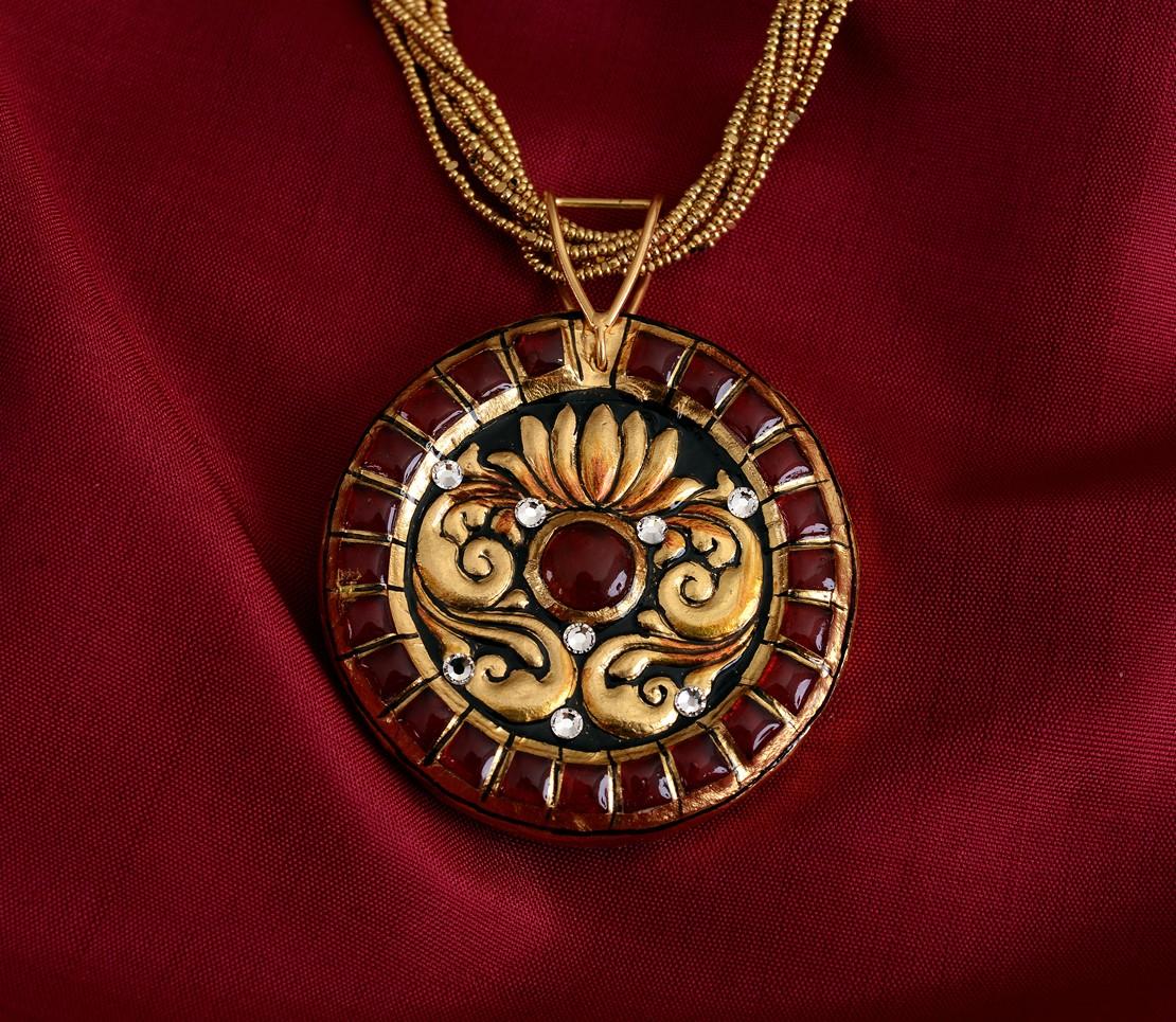 exquisite-tanjore-paintinglike-pendant-weavemaya-Bangalore-India-Maya-round-lotus