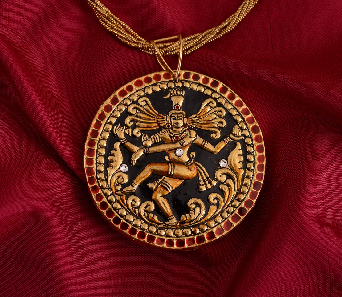 exquisite-tanjore-paintinglike-pendant-weavemaya-Bangalore-India-Maya-round-Nataraja