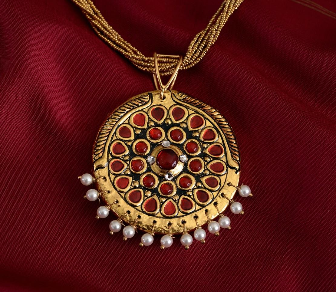 exquisite-tanjore-paintinglike-pendant-weavemaya-Bangalore-India-Maya-round-red-pearldrops