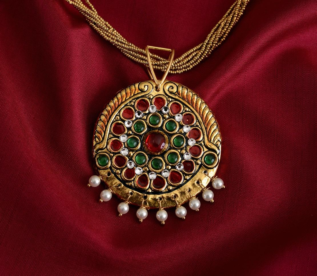 exquisite-tanjore-paintinglike-pendant-weavemaya-Bangalore-India-Maya-round-green-red-pearldrops