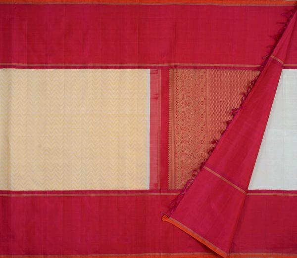 exquisite-bridal-Kanjivaram-weavemaya-Bangalore-India-Maya-offwhite-chevron-mubbhagam-rich-pallu-10082106-2