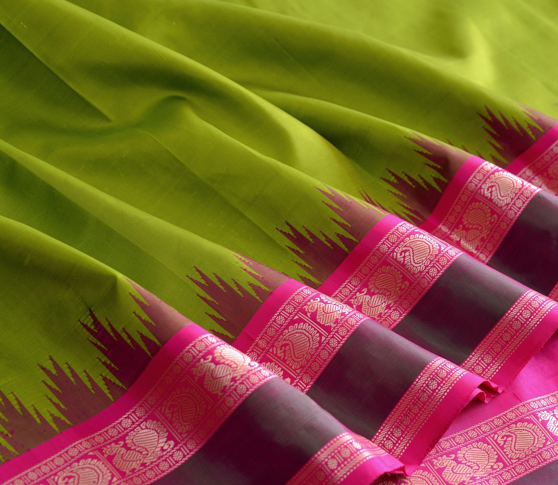 Elegant Kanjivaram silk korvai temple threadwork weavemaya Bangalore India Maya parrot green 10172111 4